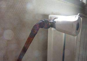 Le tube de l'alimentation du radiateur a été refait en direct.