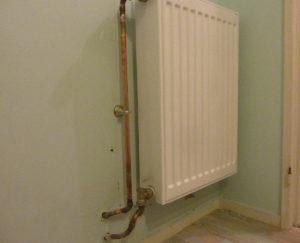 Un vrai radiateur qui chauffe dans la salle de bains!
