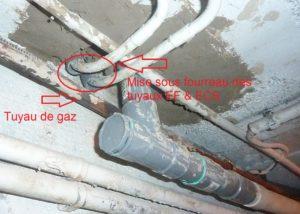 Mise sous fourreaux de tous les tuyaus traversant la dalle de béton